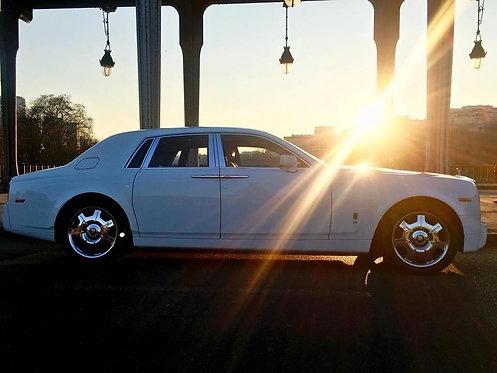 ESCAPADE ROMANTIQUE // À bord d'une Rolls Royce Phantom et chauffeur privé