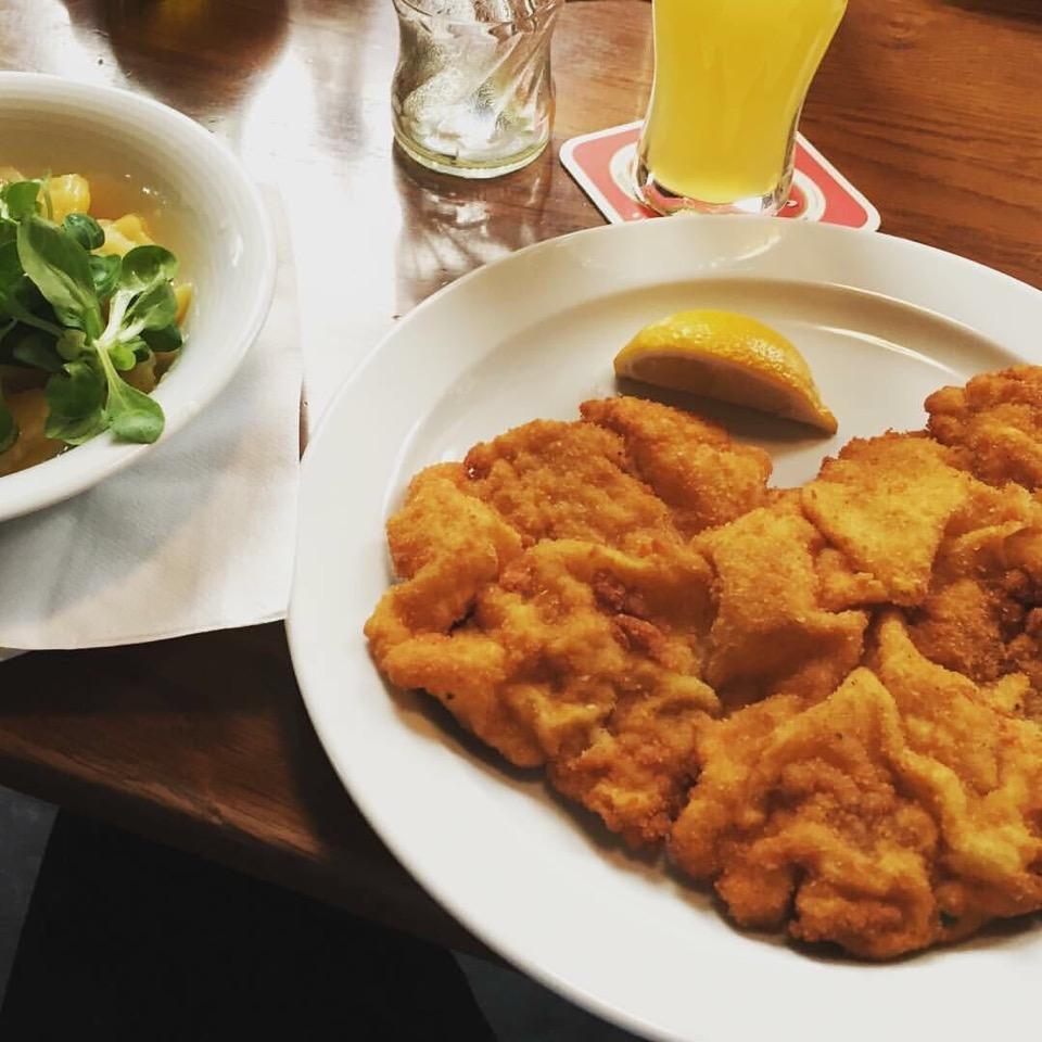 Wiener Schnitzel aus der  Pfanne