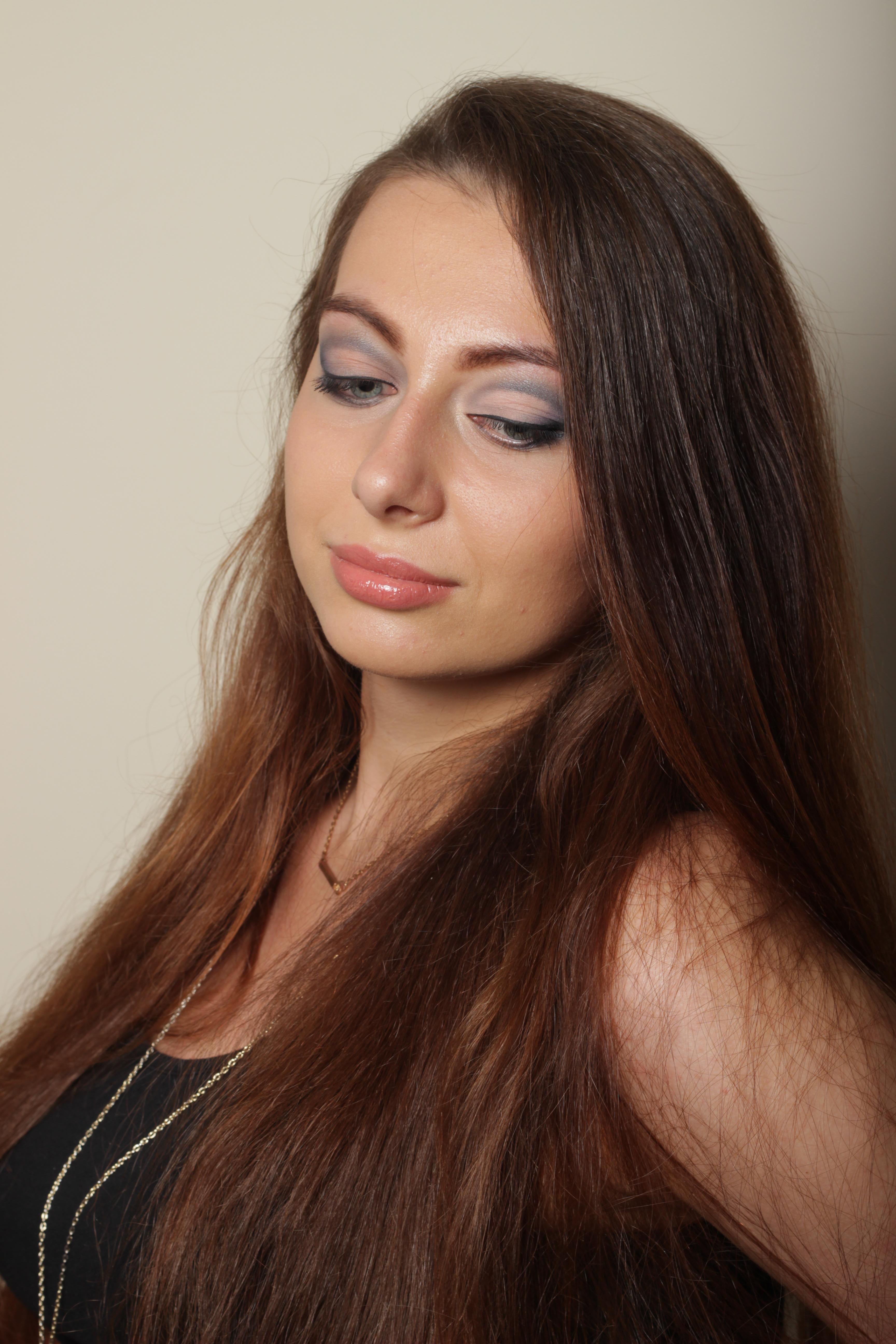 make-up for big eyes