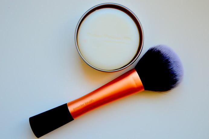 Greitas giluminis makiažo šepetėlių valymas Deep Clean Make-up Brushes Quickly