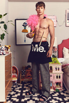 Vanity Fair Teen ( Online )