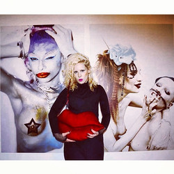 Instagram - exhibition opening #divaland #lust4life #dariamarchik  #pashasetrova