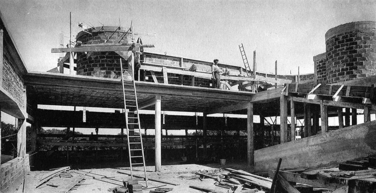 Villa Savoye under Construction