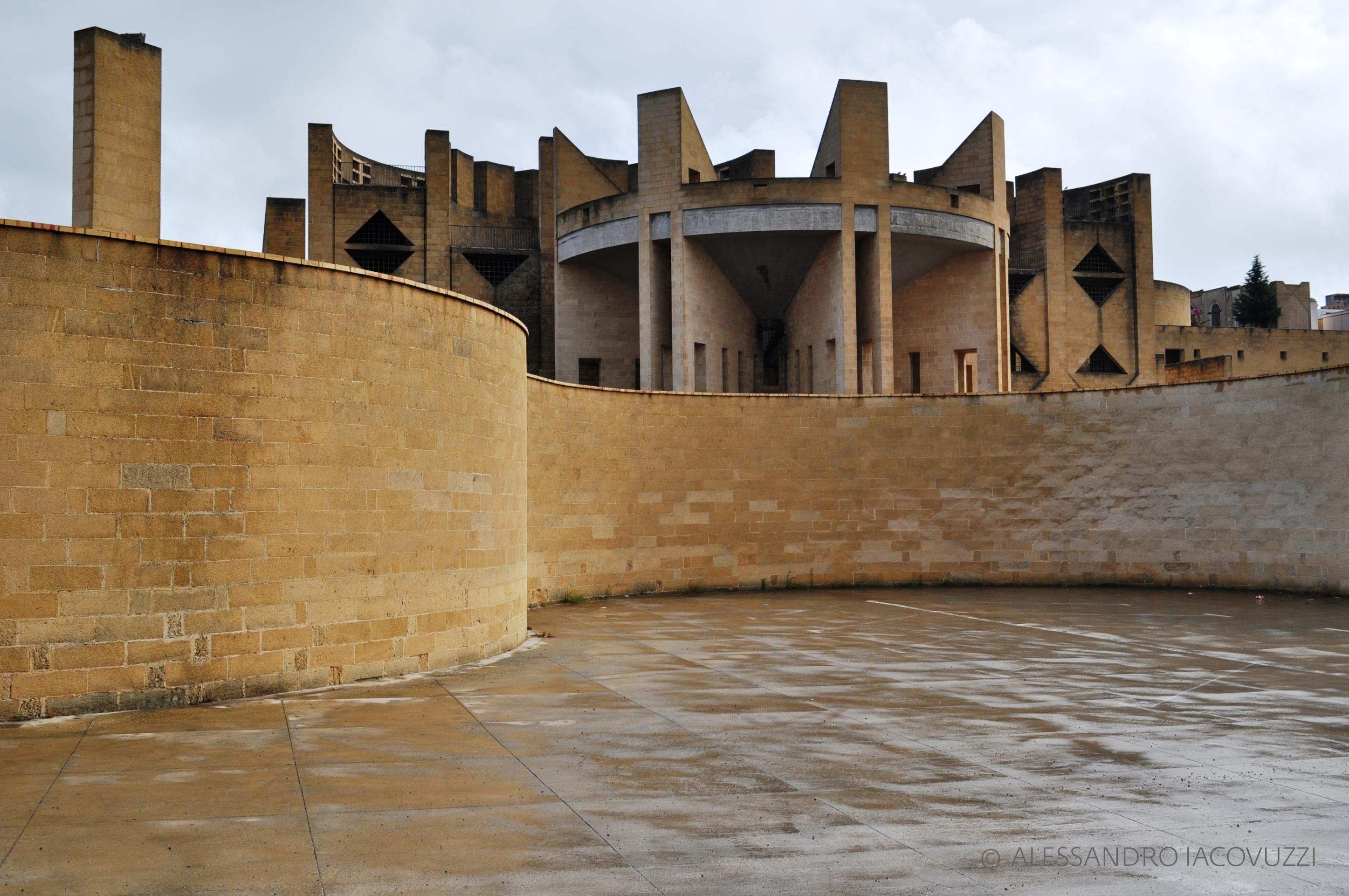 Cimitero di Parabita, Lecce