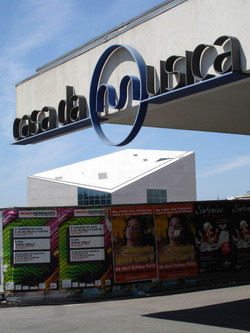 casa-da-musica-Koolhaas_big.jpg