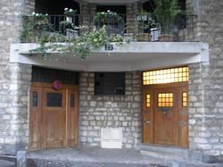 Entrance, lower part