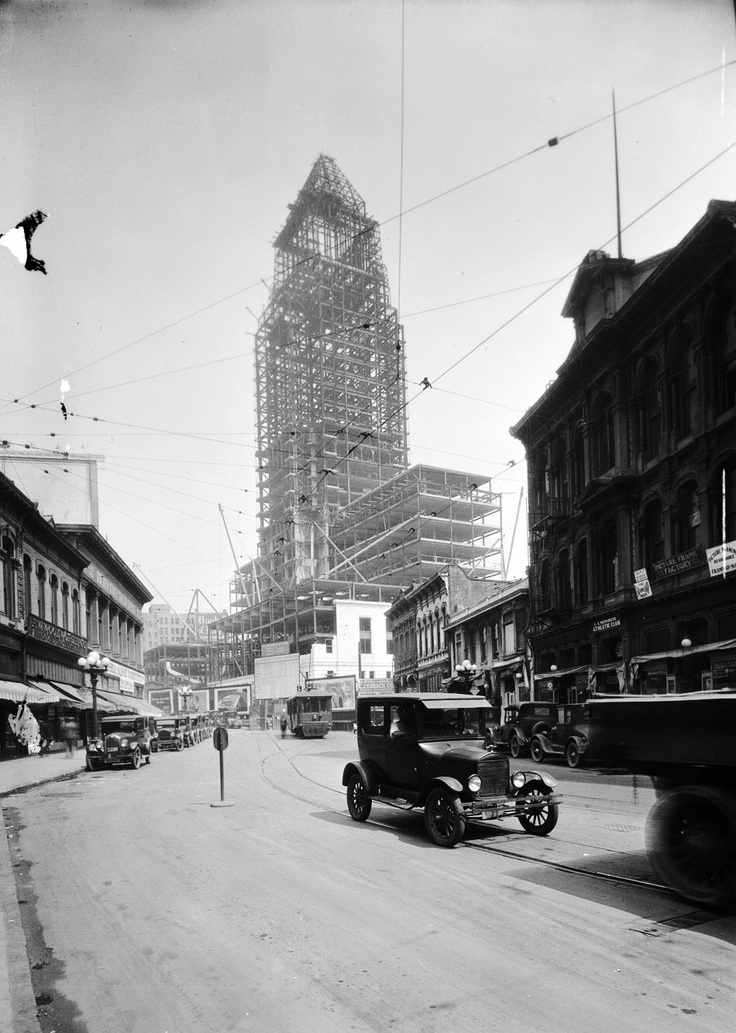 Los Angeles City Hall under construction in 1927