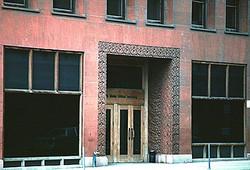 1890 Wainwright Bldg, Entrance