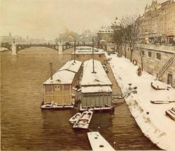 Quai Voltaire en Hiver 1925