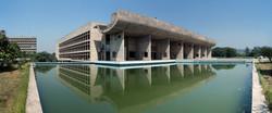 Assemblée vue sur le lac