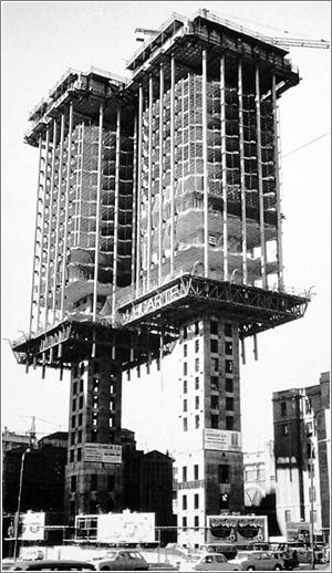 Torres_Colón,_Antonio_Lamela_1976