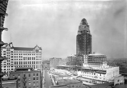 City_Hall_Under_Construction_1928