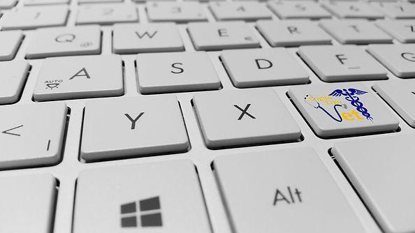 keyboard-886462_1920(1).jpg