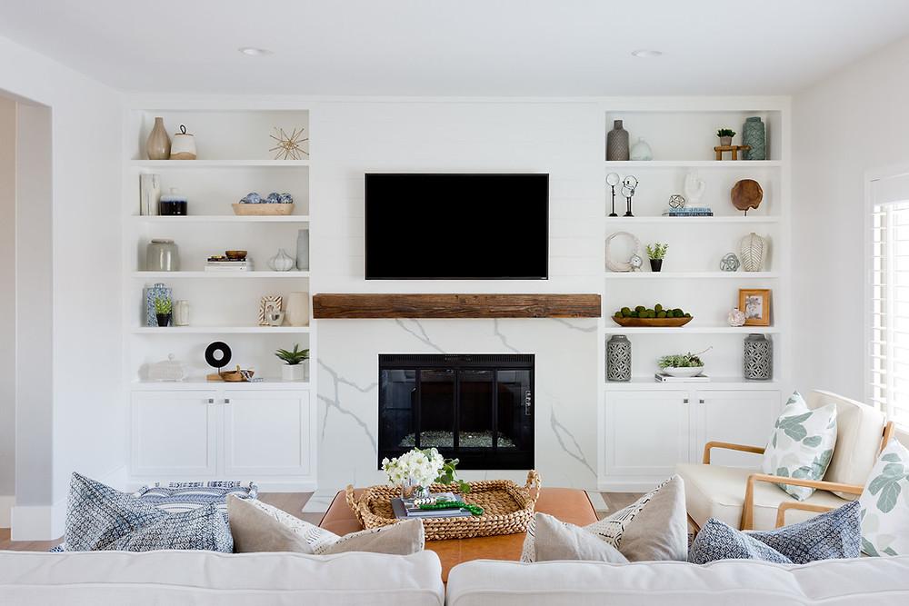 living room by Lindsey Brooke Design