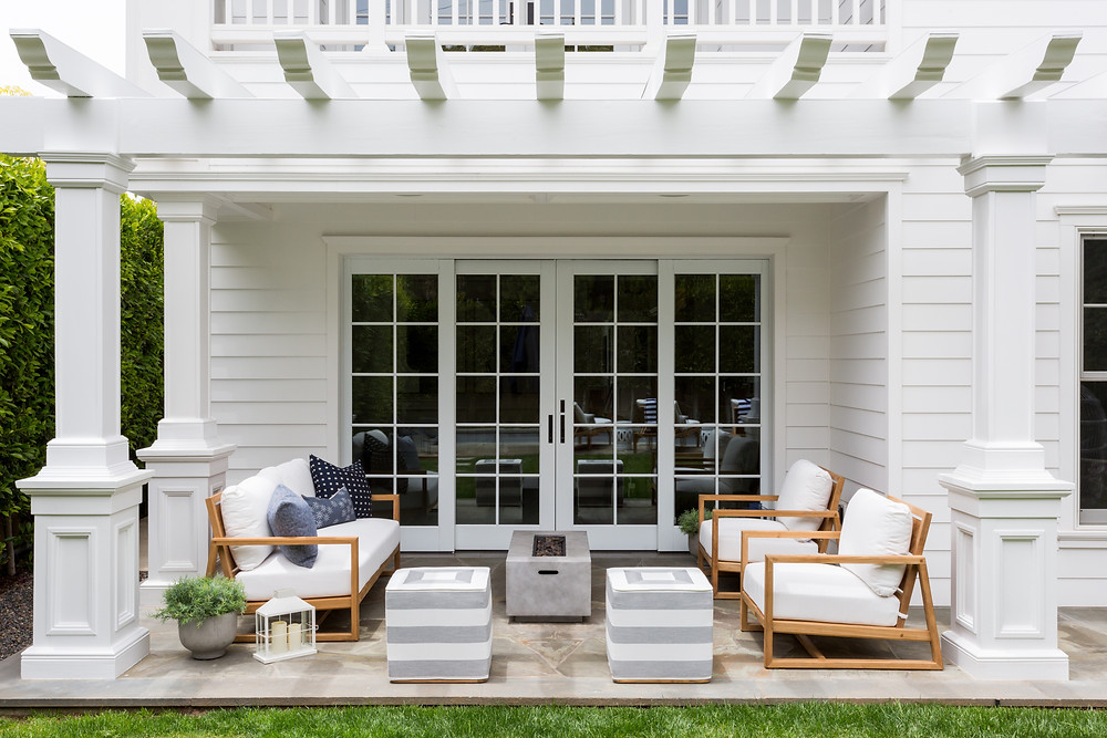 outdoor living space by Lindsey Brooke Design