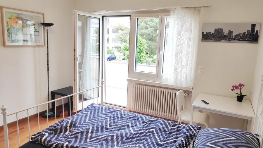 Room 5, 16 m2, door to balcony