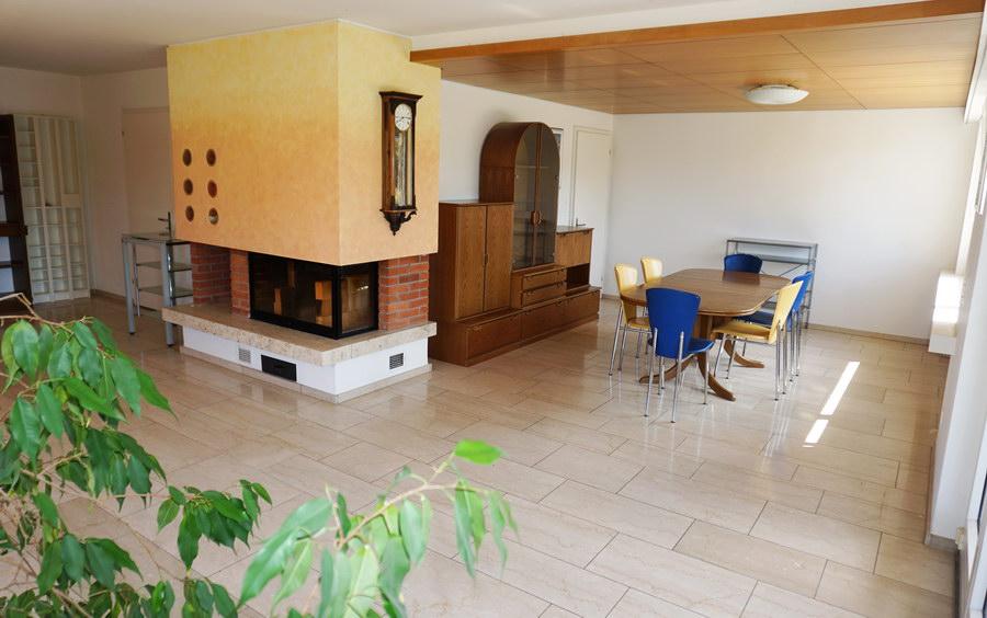 Essecke/Wohnzimmer mit Cheminée