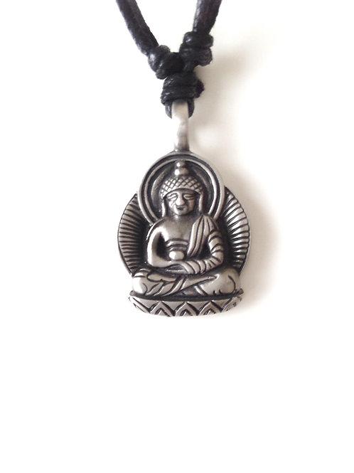 Bouddha/Buddha: collier en étain/ pewter necklace