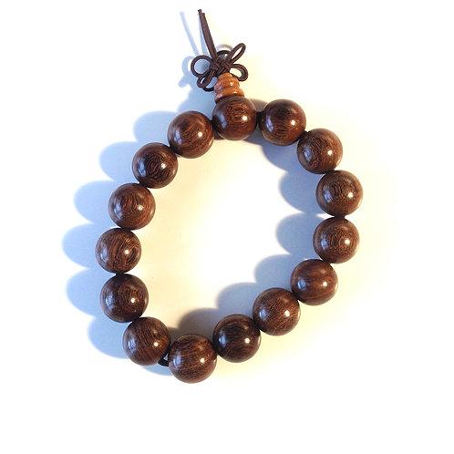 Bracelet-mala: en bois (mi-brun)/ in wood (mid brown)