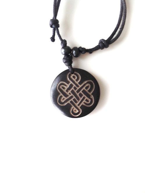 Noeud sacré Nr/Sacred Knot Bl: collier tibétain en os/ Tibetan bone necklace