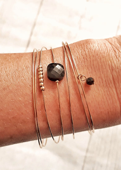 SEMAINIER 7 joncs dorés et perles NOIRES et dorées en acier inoxydable