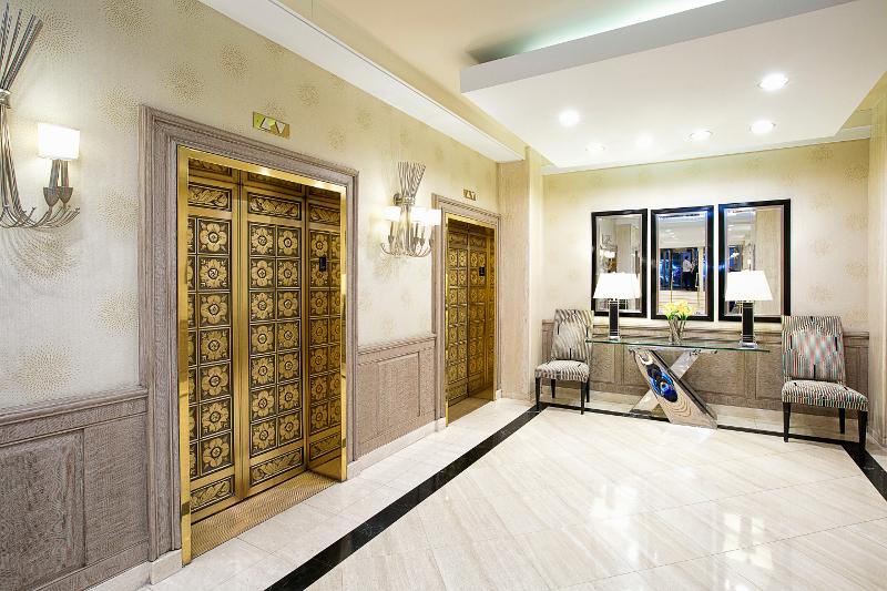 Executive Plaza Lobby Elevators