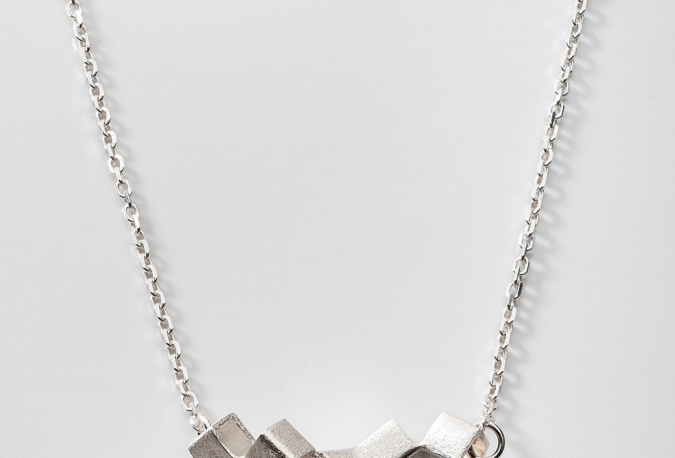 CUBE NECKLACE SMALL