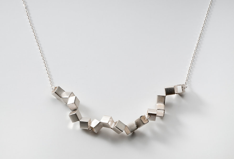 CUBE NECKLACE LARGE