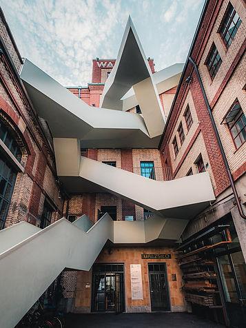 Architektur-LezBroz-2019-3_front_large.j