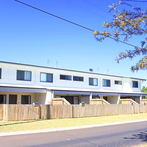 14 Unit Townhouse Development Miles