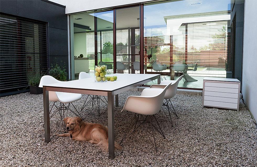 village garden gartenm bel gartentische mit auszugsfunktion. Black Bedroom Furniture Sets. Home Design Ideas