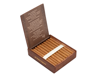 "Flor de Selva ""Petit-Cigare"" Reviewed by Cigar Coop"