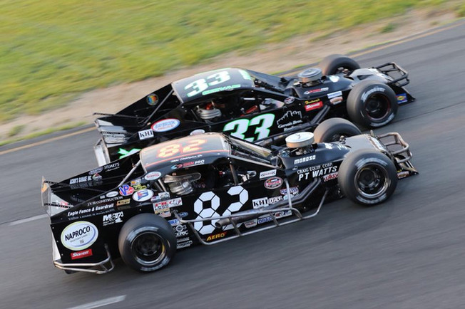 Side-by-side racing
