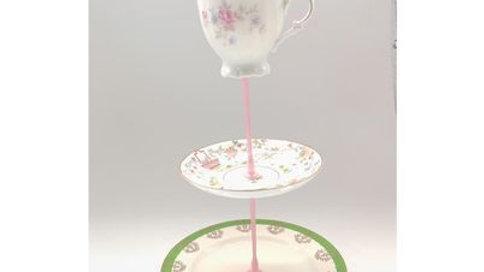 Meduim tea stands pink and  green mix