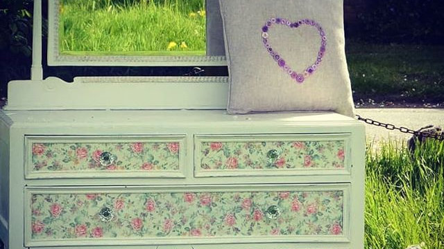 Dressing table, country garden