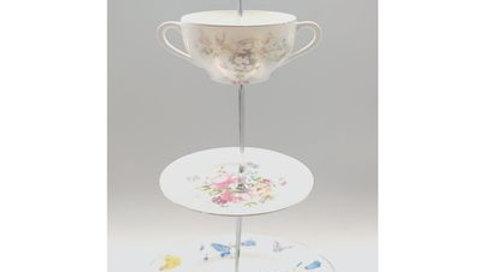 meduim tea stands mix