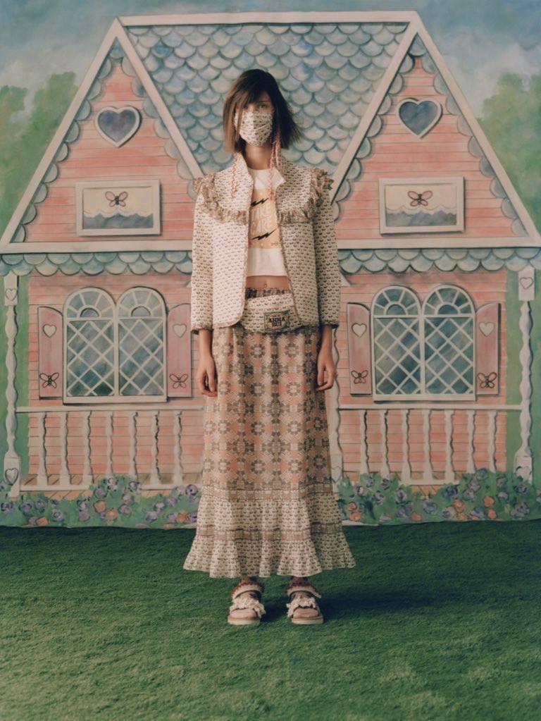 Anna Sui SS 21 graphics