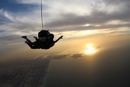 Sonnenuntergang Fallschirmspringen