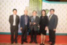 台泥企業團有堅強的團隊,24日由資深副總呂克甫帶領團隊一同領取「綠色領導獎」之榮