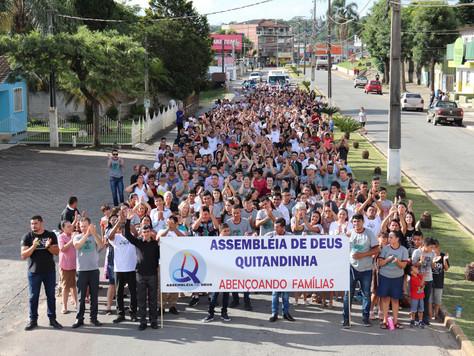 1ª Marcha Para Jesus reúne grande público em Quitandinha