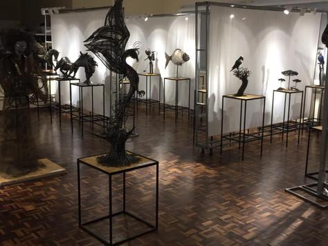 Quitandinha recebe exposição gratuita de artista que já esteve no Louvre