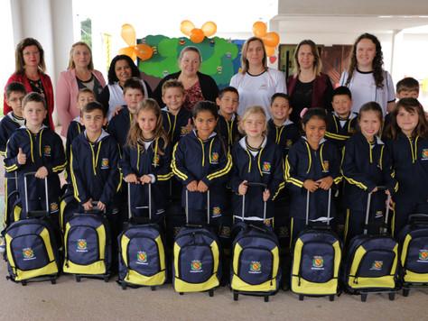 Prefeitura investe mais de R$ 867 mil na aquisição de uniformes e kits escolares