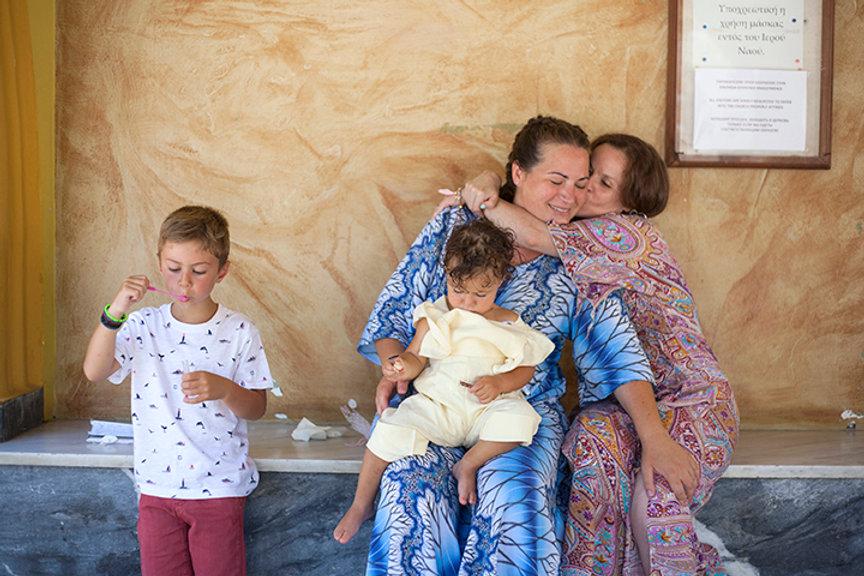 Βάπτιση στη Ρόδο. Φωτογράφηση βάπτισης στη Πναναγια Τσαμπίκα Ρόδου.