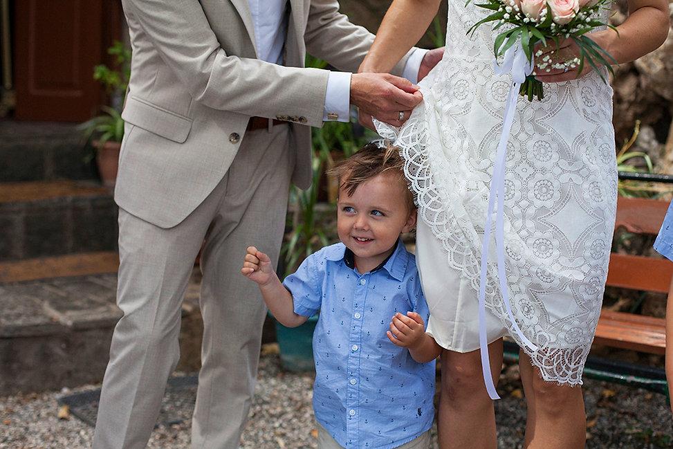 Φωτογράφος γάμου στη Ρόδο και Σύμη.Φωτογράφος γάμου και βάπτισης στη Ρόδο.Φυσική φωτογράφιση γάμου στη Ρόδο τη Σύμη και το Καστελλόριζο. πολιτικός γάμος στη Ρόδο.Γάμος Βάπτιση στη Ρόδο