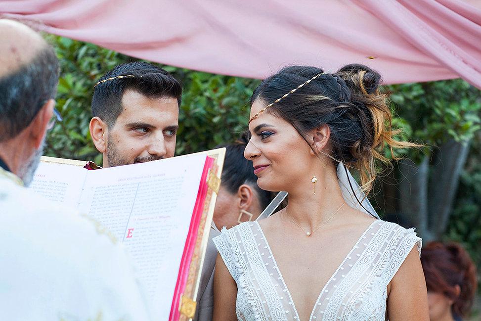 Φωτογράφιση γάμου στη Ρόδο και τη Σύμη.Φυσική φωτογράφιση γάμου στη Ρόδο.Στυλάτη νύφη στη Ρόδο.όμορφη φωτογράφιση γάμου στη Ρόδο το Καστελλόριζο και τη Πάτμο.