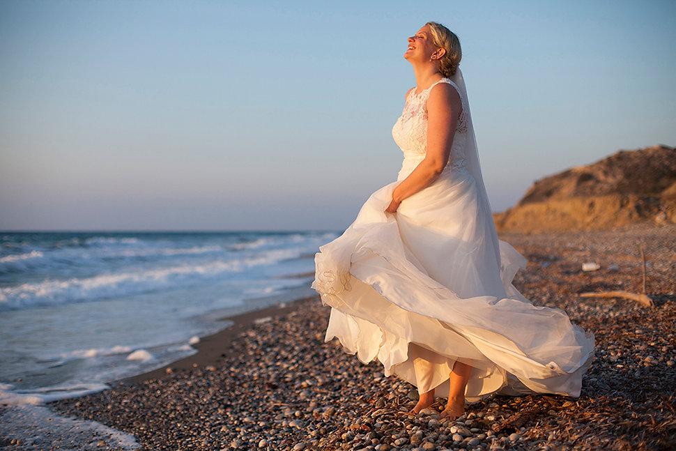 Φωτογράφος γάμου στη Πάτμο. Φωτογράφος γάμου στη Σύμη. Φωτογράφηση γάμου στη Ρόδο.