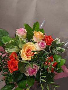 Bouquet 4 (bouquet de roses diverses) en