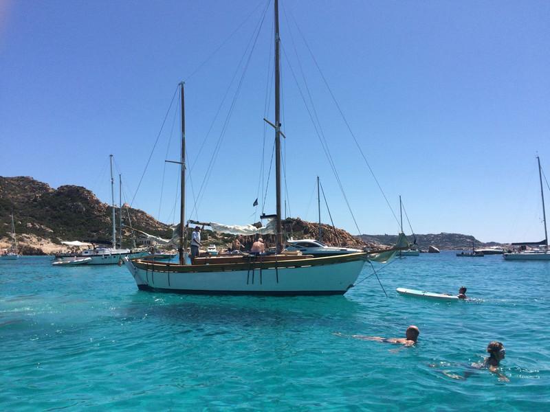 barca-a-vela-Simeone-all-ancora-durante-