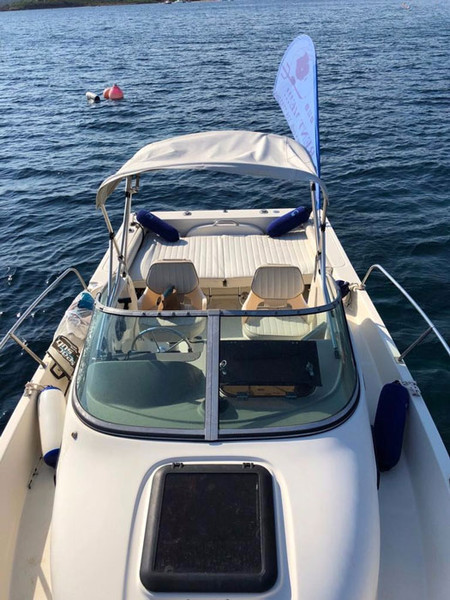 Bayliner-Trophy-seen-from-bow.jpg