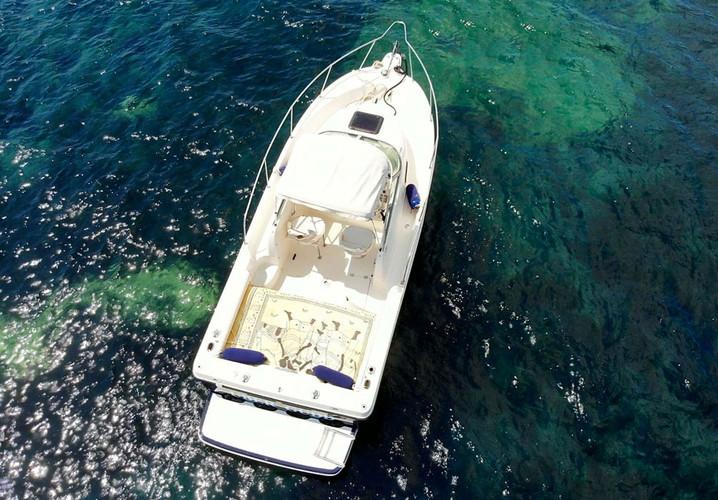 Bayliner-visto-dall-alto-nell-arcipelago